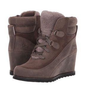 NWT UGG Kriston Waterproof Boots Size 12
